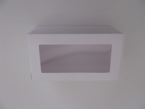 http://www.houseofcakes.pt/497-thickbox_default/caixa-branca-c-janela.jpg